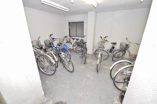ドリーム21 屋内にある駐輪場は大切な自転車を雨から守ってくれます。