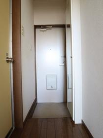 https://image.rentersnet.jp/56f8281d-41ba-4632-b292-8fc84c6f5525_property_picture_955_large.jpg_cap_玄関