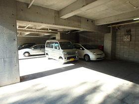 ドゥエル聖蹟駐車場