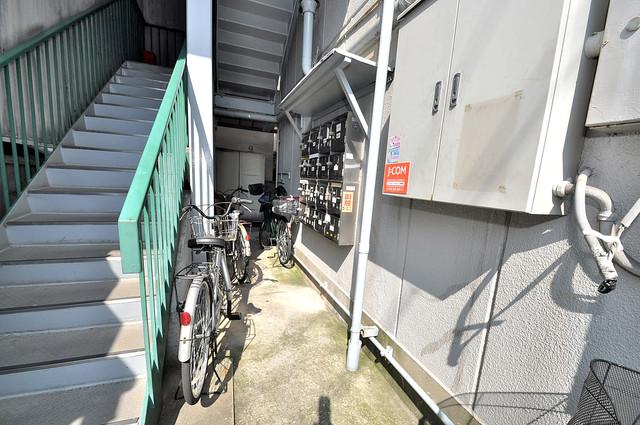 八戸ノ里グリーンハイツ 自転車もこちらに置いてください。