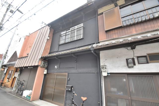 長堂2-16-8 貸家 どこか懐かしさを感じさせてくれる暖かみのある建物です。