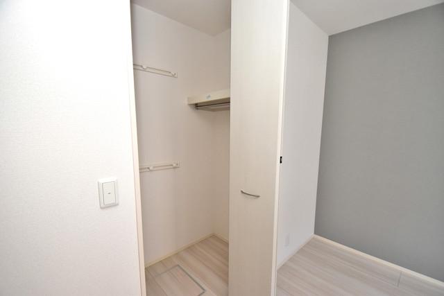 セレナヴィラ下小阪W 収納がたくさんあると、お部屋がすっきり片付きますね。