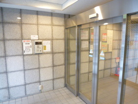 スカイコート新宿落合第6エントランス