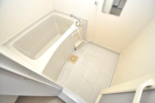 TSUJIHANAビルディング ちょうどいいサイズのお風呂です。お掃除も楽にできますよ。