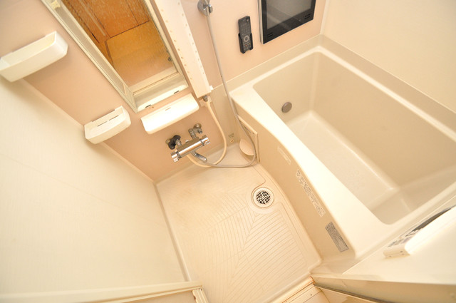ディオーネ・ジエータ・長堂 機能的なバスルームはトイレと別々なので、広々としていますよ。