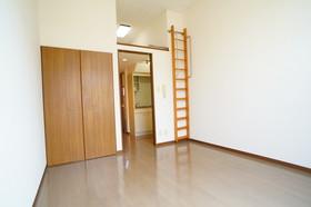 https://image.rentersnet.jp/5852848b-ff14-4942-b956-62f3cde1c127_property_picture_960_large.jpg_cap_他号室の参考写真