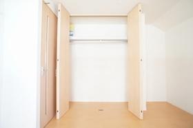 レフィナード山王 201号室