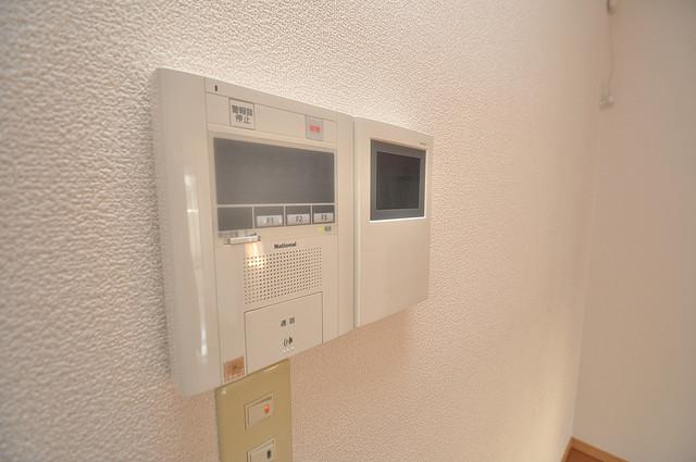 グランガーデン足代新町 モニター付きインターフォンでセキュリティ対策もバッチリ。