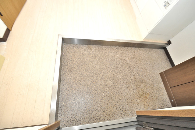 ウィダーホール23 素敵な玄関は毎朝あなたを元気に送りだしてくれますよ。