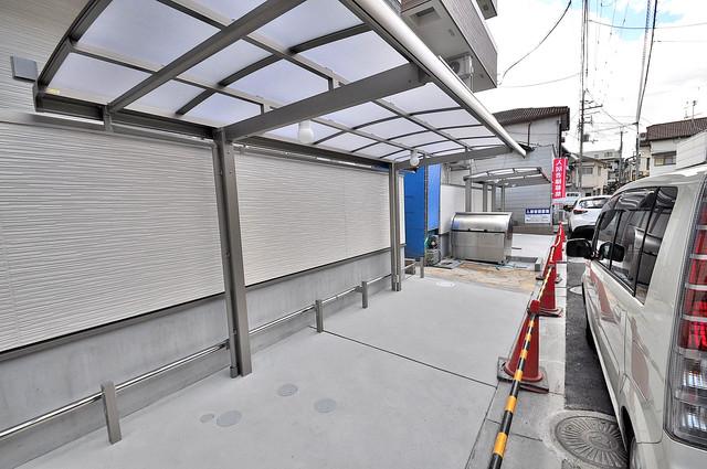 フジパレス高井田西Ⅱ番館 屋根付きの駐輪場は大切な自転車を雨から守ってくれます。