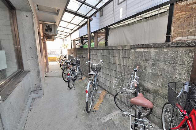 小若江スカイハイツ あなたの大事な自転車も安心してとめることができますね。