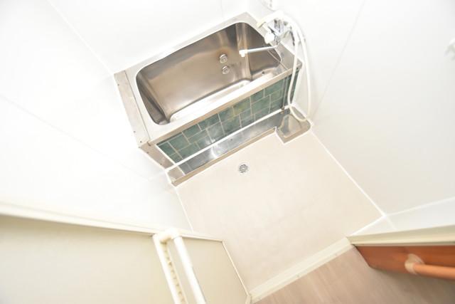 長堂2-16-8 貸家 コンパクトだけど機能性バッチリ。シンプルライフに十分のお風呂。