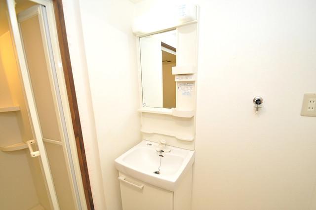 アップウエスト神路 人気の独立洗面所にはうれしいシャンプードレッサー完備です。
