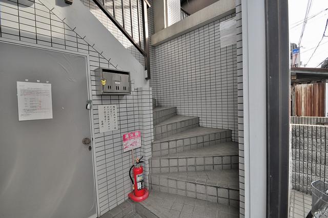 ジョイライフ永和 この階段を登った先にあなたの新生活が待っていますよ。