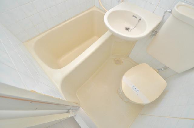 OMレジデンス八戸ノ里 ちょうどいいサイズのお風呂です。お掃除も楽にできますよ。