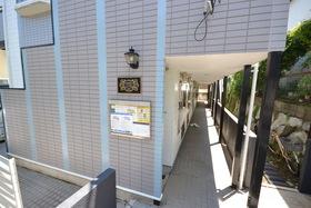 下北沢駅 徒歩4分エントランス