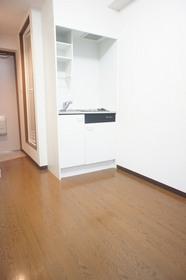 https://image.rentersnet.jp/594f67dce043c1b58f70398438bd0325_property_picture_961_large.jpg_cap_照明つきの洋室です