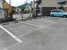 ハイツスイーダM駐車場