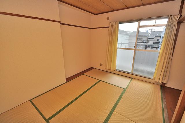 ファミーユ和喜 陽当りの良いベッドルームは癒される心地良い空間です。
