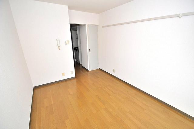 ラフォーレ菱屋西 内装は落ち着いた色合いで、くつろげる空間になりそうですね。