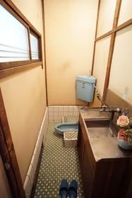 西袋アパート 202号室