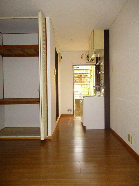ボヌール三番館居室