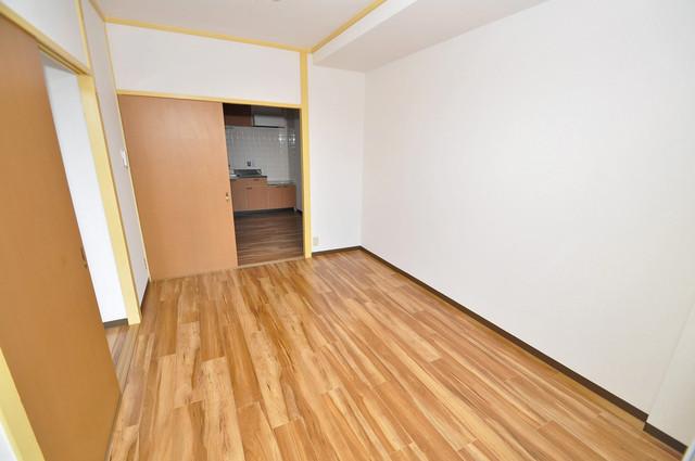 メダリアン巽 落ち着いた雰囲気のこのお部屋でゆっくりお休みください。
