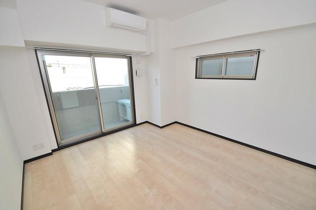 プレシオ小阪 落ち着いた雰囲気のこのお部屋でゆっくりお休みください。