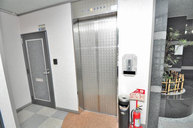 CTビュー小阪 嬉しい事にエレベーターがあります。重い荷物を持っていても安心