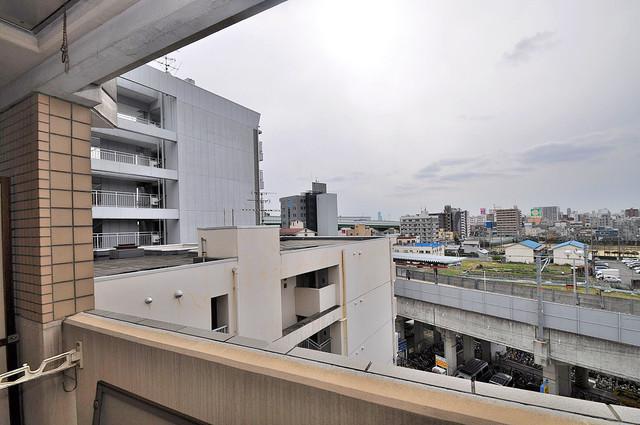 ジオ・グランデ高井田 この見晴らしが日当たりのイイお部屋を作ってます。
