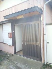 石川貸家 3エントランス