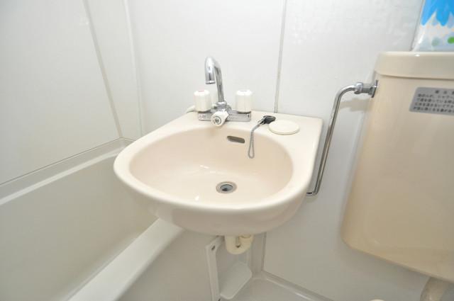 ロイヤルシード小阪 可愛いいサイズの洗面台ですが、機能性はすごいんですよ。