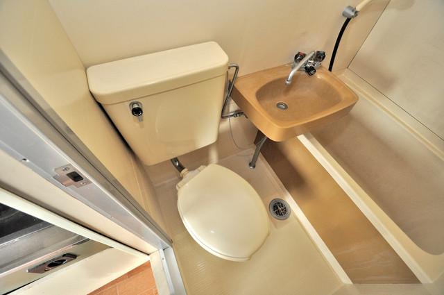 ブリリアント神路 スタンダードなトイレは清潔感があって、リラックス出来ます。