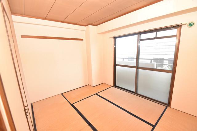 七福興産ビル 6畳の和室が癒しの空間となりますね。