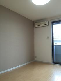 https://image.rentersnet.jp/5b67c25c75efb14e8d785a24b3749b90_property_picture_1993_large.jpg_cap_居室