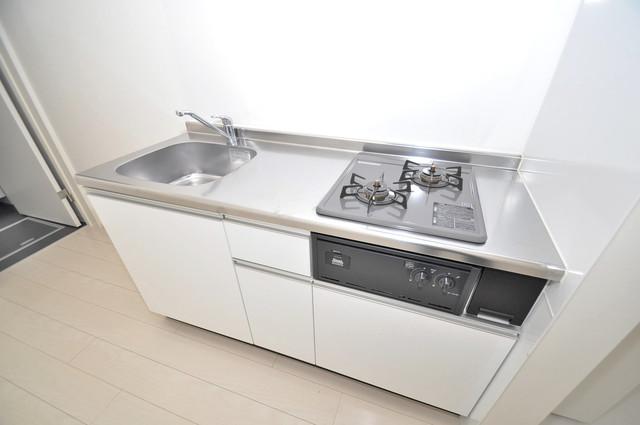 フォレストコート東今里 システムキッチンは広々と使えて、お料理が楽しくなります。