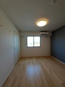https://image.rentersnet.jp/5b752245-e5bd-4c8e-a946-864411764dfe_property_picture_3515_large.jpg_cap_居室