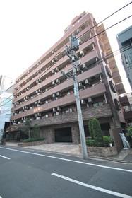 六本木駅 徒歩8分外観