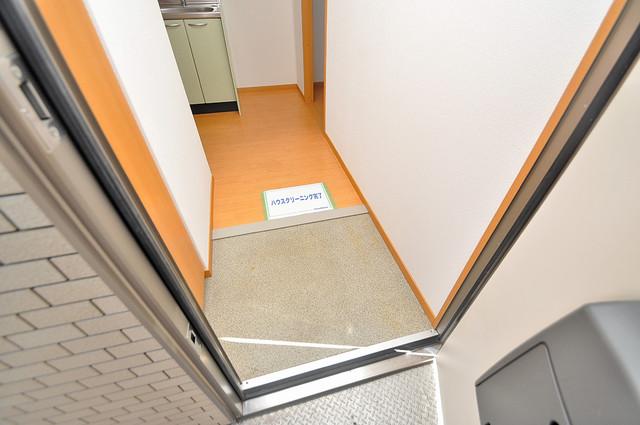 T-WEST 玄関を開けると解放感のある空間がひろがりますよ。