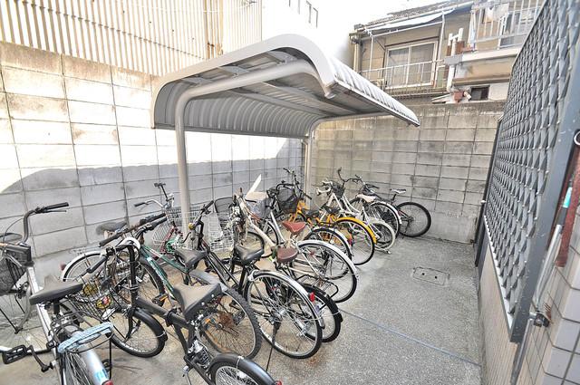 ロマネスク今里 駐輪場が敷地内にあります。愛車を安心して置いておけますね。