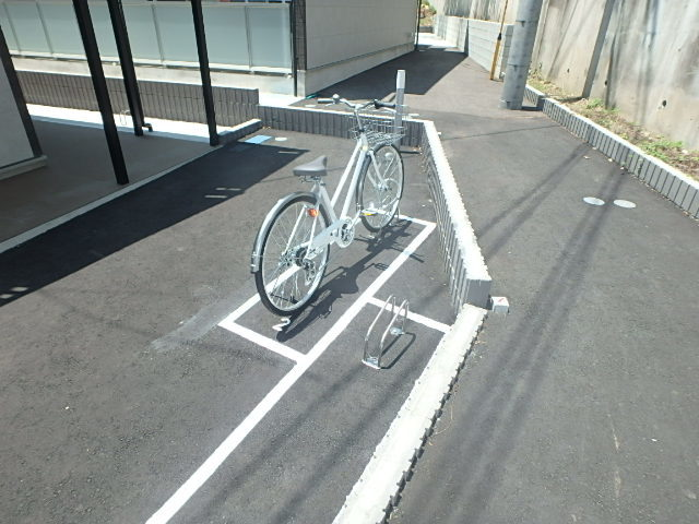 リブリ・ドルフtwo(ツー)駐車場