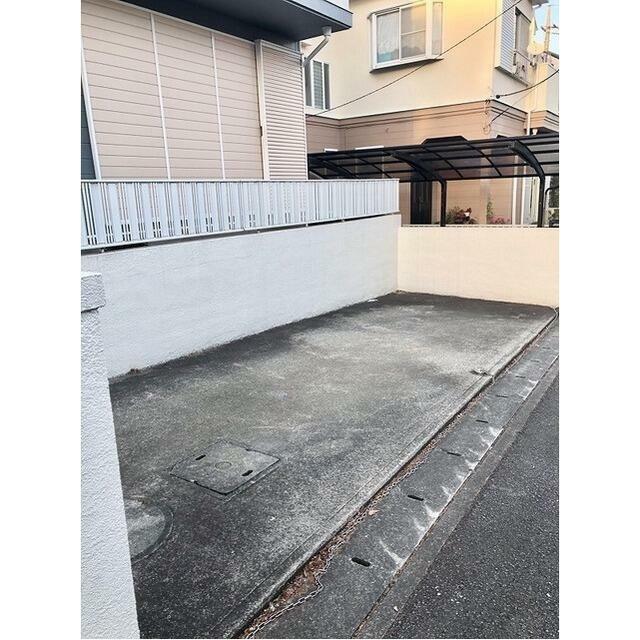 千代ヶ丘3-5戸建駐車場