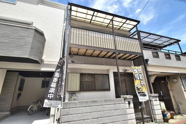 横沼町3-4-13貸家 どこか懐かしさを感じさせてくれる暖かみのある建物です。