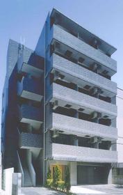 スカイコート新宿御苑前の外観画像