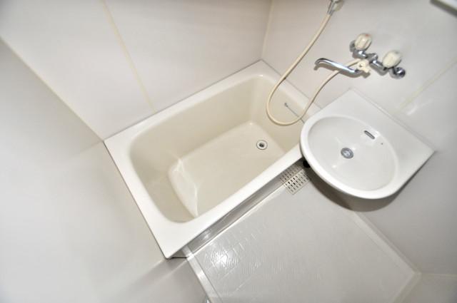 サンポートハイム大今里 機能的なバスルームはトイレと別々なので、広々としていますよ。