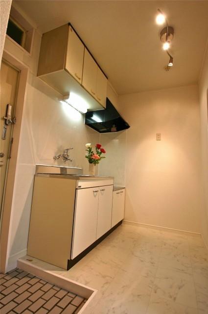 サン・クレール横浜B棟キッチン