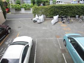 エレガンスチトセ駐車場