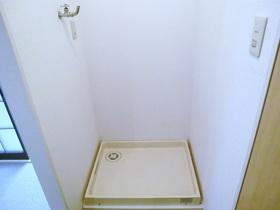 室内洗濯機置き場付いてます。