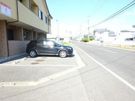 https://image.rentersnet.jp/5e3004c7-77f6-42a0-a1bb-cd7988d4f9c6_property_picture_1991_large.jpg_cap_駐車場
