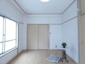 洋室6帖※モデルルーム仕様、小物は設備に含まれません。